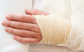 How to treat a severe or minor injury at home