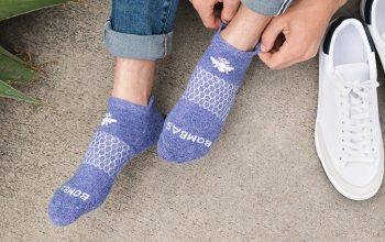 What are the world's well-known sock brands?