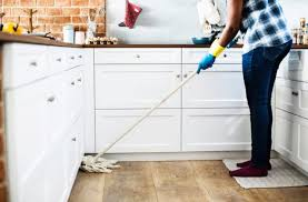 4 Reasons To Opt For House Cleaning Solutions